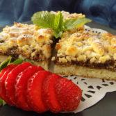 Rychlý koláč na plech s drobenkou