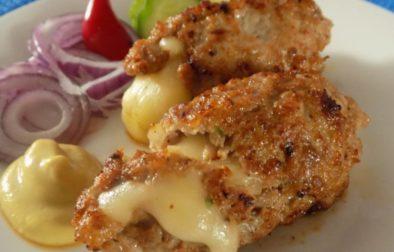 Čevabčiči plněné sýrem