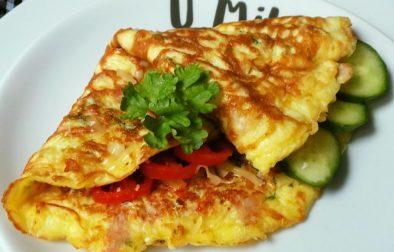 Sýrová omeleta se šunkou